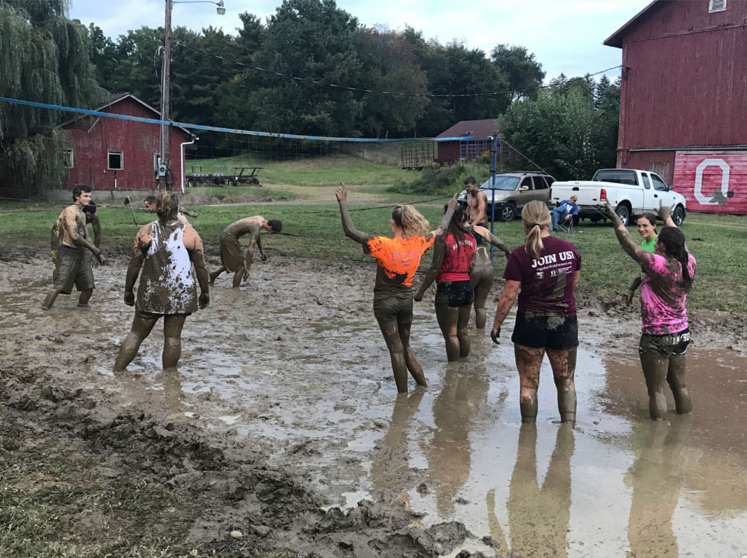 Hoof-n-Hide Club's Mud Volleyball